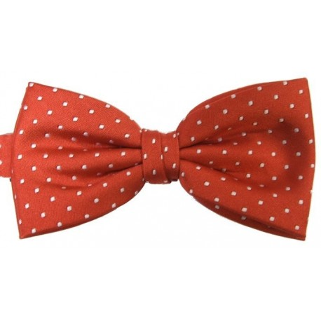 Red dotted bow tie