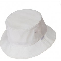 White buckethat